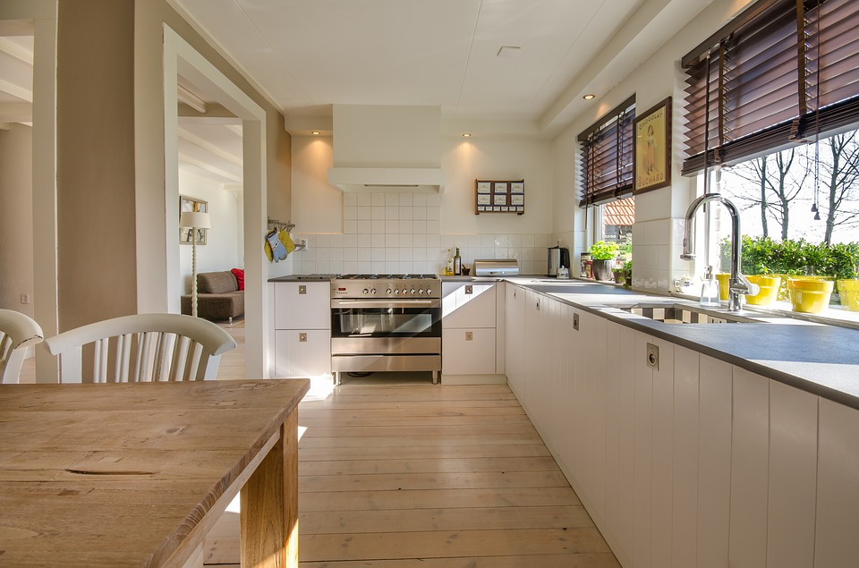Cómo ordenar su hogar utilizando trasteros 2